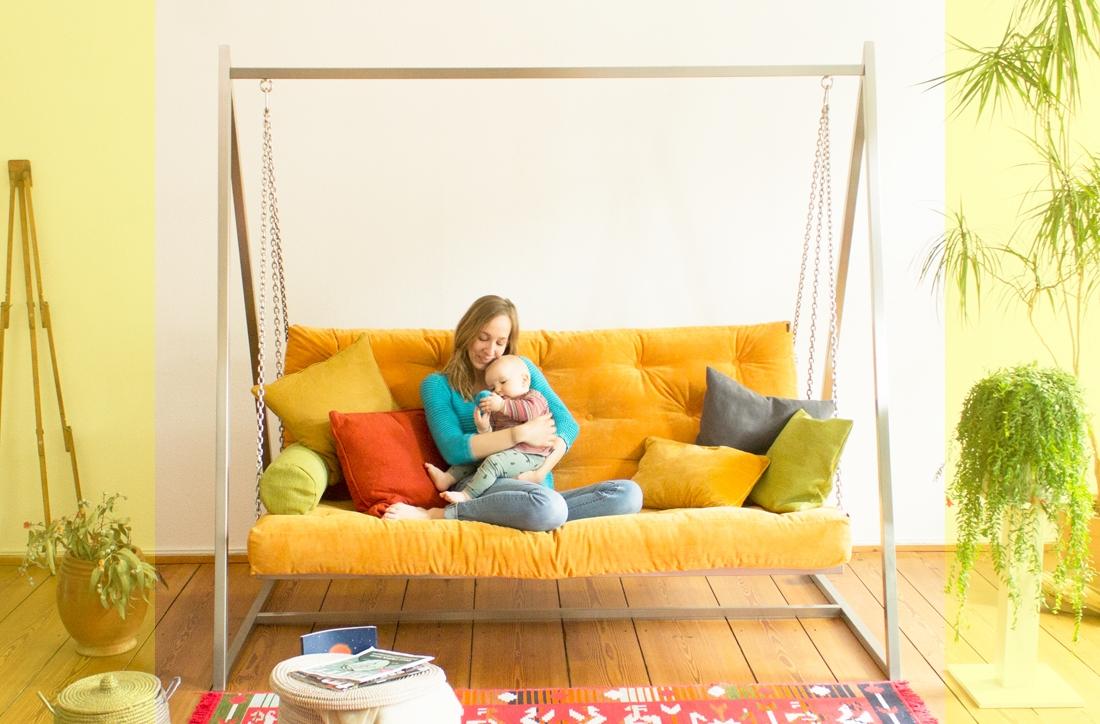 Schaukeln fördert die Gesundheit - News ansehen | Swing Sofa | Schaukelsofa | Hängesofa | Hollywoodschaukelsofa